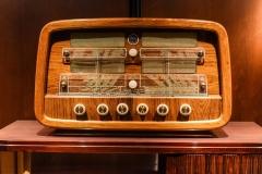 Dieses Radio stand sehr lange im Salon des S1, bis es durch ein moderneres des dänischen Herstellerds Bang & Olufson ersetzt wurde. (Foto: Andreas Lerg)